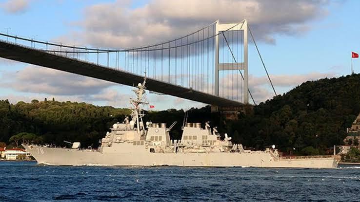 Boğazdan ABD Savaş Gemisi Geçti