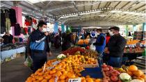Bir günde İstanbul'da 438 semt pazarı açıldı