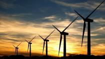 Rüzgarın gününde dünya yenilenebilir enerjiye kucak açıyor