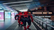 İngiltere'de örümcek adam kostümü giyen şahıs markete saldırdı