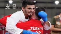 Olimpik Anneler projesinin sporcularından Eray Şamdan Gümüş Madalya kazandı